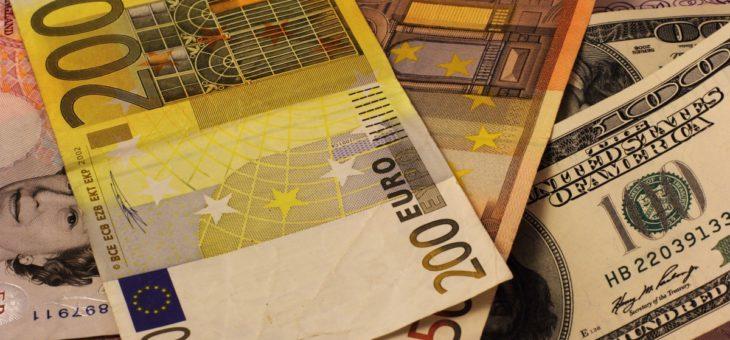 Рубли или Валюта: Что выбрать?